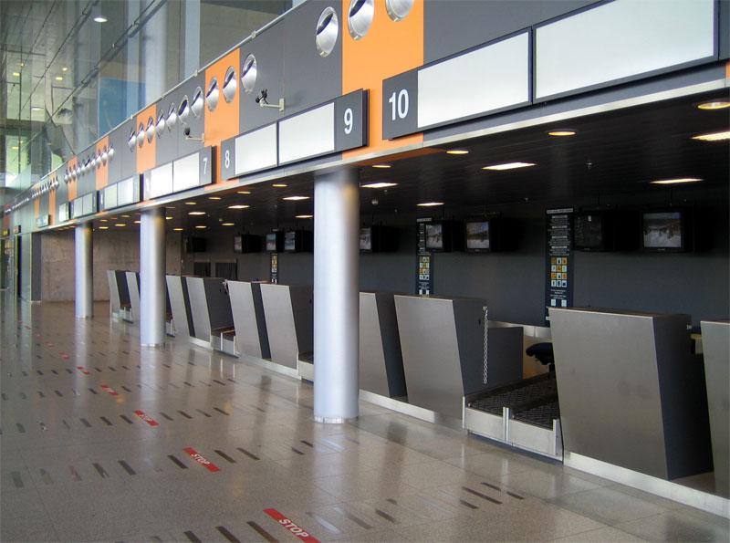 Companhias deverão ter guichês de atendimento aos passageiros em aeroportos (Foto: SXC)