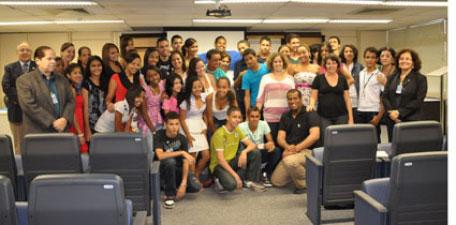 Projeto Social da Infraero no Recife forma mais 74 alunos (Foto: Divulgação Infraero)