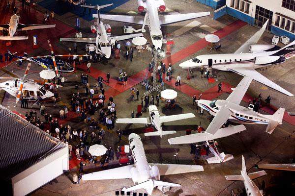 Líder Aviação soma mais de US$ 15 milhões em negócios na Labace 2011 (Foto:Edson Kumasaka)