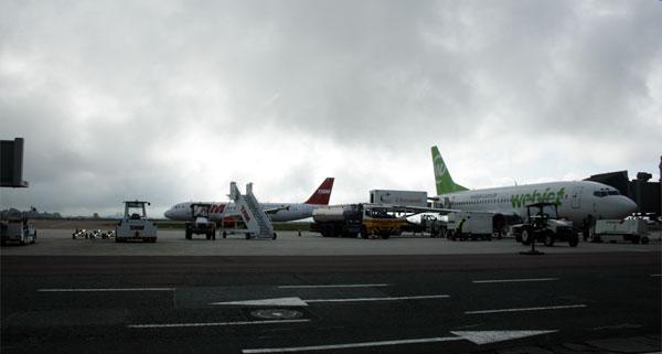 Aeroporto Internacional Afonso Pena - Curitiba (Foto: Carlos Pecuch)