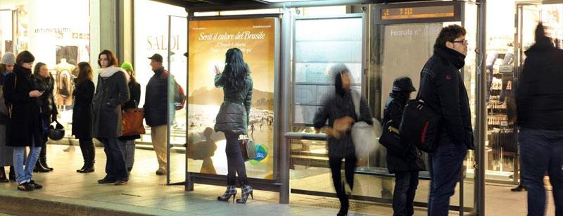 Ação da Embratur vai customizar paradas de ônibus de Lisboa com imagens de destinos brasileiros (Foto: Reprodução)