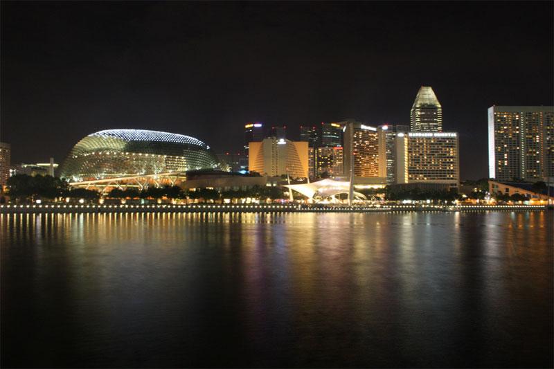 A cidade de Cingapura a noite (Foto: Timobalk)