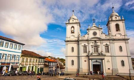 Tocha olímpica inicia visita às cidades históricas de Minas Gerais