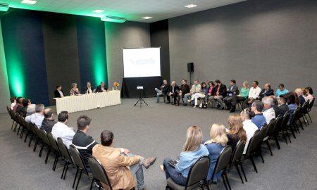 Participação do presidente Vinicius Lummertz e do diretor Tufi Michreff Neto em encontro com o trade em Joinville - Foto: Divulgação Embratur