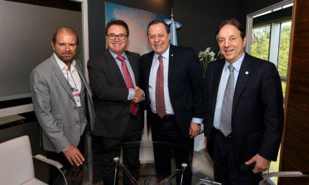 Guilherme Paulus, Vinicius Lummertz, Gustavo Santos e Oscar Guesser em evento na Argentina - (Foto: Embratur)