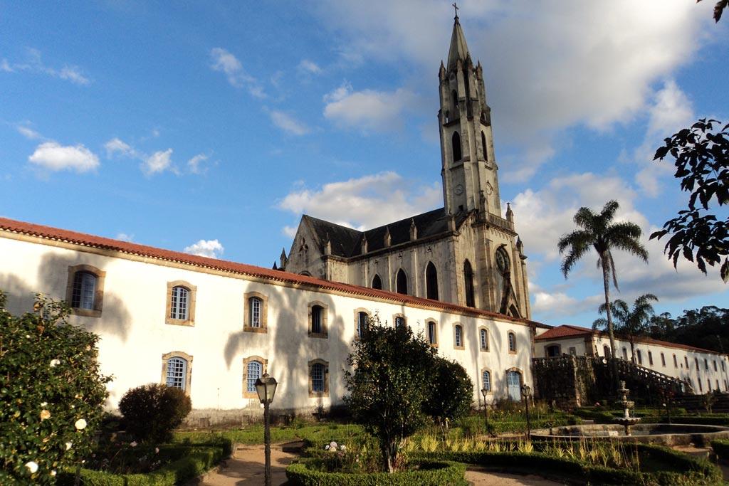 Turismo religioso em Minas Gerais - Santuário do Caraça (Foto: Wikipedia)