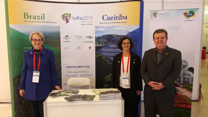 Embratur divulga Congresso Florestal na China - Membros do Comitê Organizador do IUFRO 2019 marcaram presença no evento. Foto: Serviço Florestal Brasileiro (SFB)