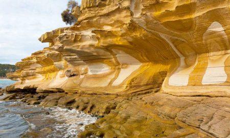 Falésias Pintadas na ilha Maria – Tasmânia, Austrália