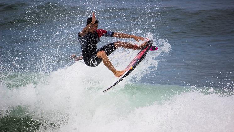 Gabriel Medina em campeonato no Rio de Janeiro. Crédito: Henrique Boechat