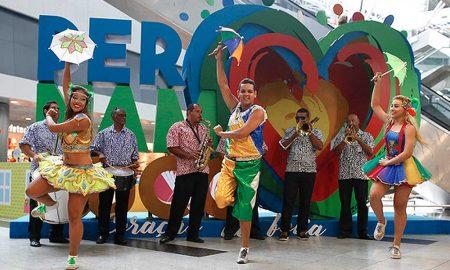 Aeroporto de Recife - Vários turistas já aproveitaram para fazer fotos.