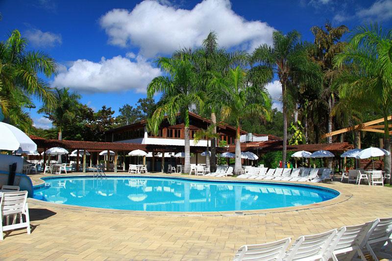 Vista de uma das piscinas do Hotel Fazenda Mazzaropi, em Taubaté