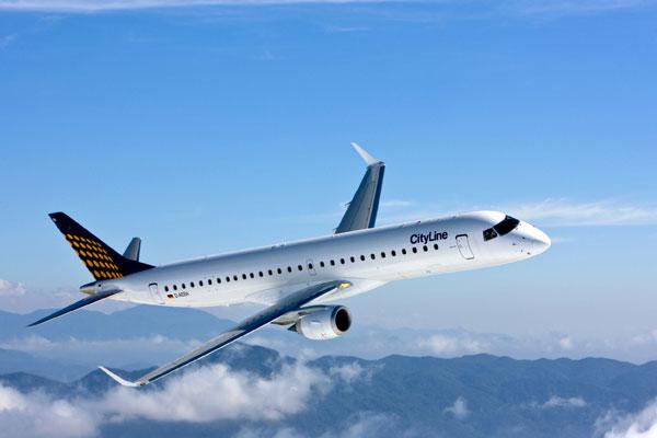 """Novo Embraer 195 da Lufthansa, batizado de """"Zwiesel"""" em homenagem a cidade de mesmo nome (Foto: Divulgação)"""