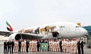 EK261, o primeiro vôo do Emirates A380 para a América do Sul, antes de sua partida para São Paulo.